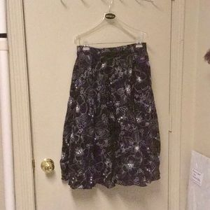 Beautiful Anne Klein party skirt size 6